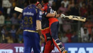 Delhi Beat Mumbai by 7 Wickets - Sakshi