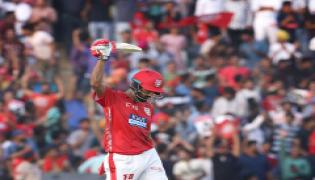 kings punjab beat delhi daredevils 6 wickets - Sakshi