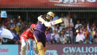Knight Riders win by 31 runs - Sakshi