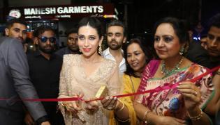 Karishma Kapoor Inaugurate Neerus Store in Hyderabad - Sakshi