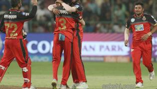 rcb beat srh14-runs  - Sakshi