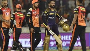 Kolkata Knight Riders beat Sunrisers Hyderabad by 5 wickets - Sakshi