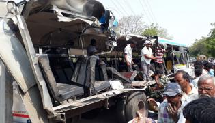 Road Accident at Karimnagar photo gallery - Sakshi