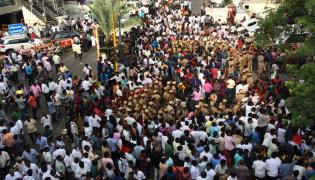 DMK supporters gather outside Kauvery Hospital Photo Gallery - Sakshi