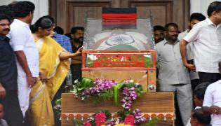 PM Modi pays tribute to Karunanidhi at Rajaji Hall Photo Gallery - Sakshi