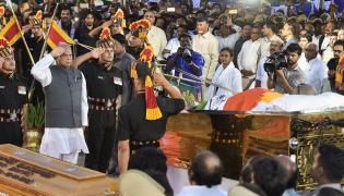 M Karunanidhi Final Rites Chennai Merina Beach Photo Gallery - Sakshi