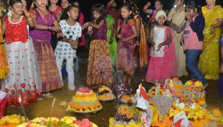 Saddula Bathukamma in full swing at Tank Bund Photo Gallery - Sakshi