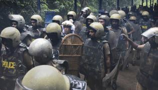 Sabarimala Tension Continue Friday Photo Gallery - Sakshi