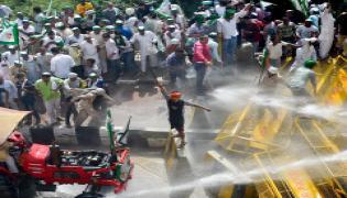 Police Stops Kisan Rally Delhi Border Photo Gallery - Sakshi