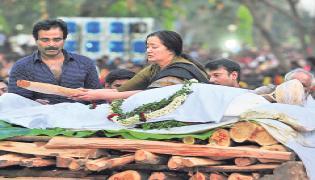 ambarish funeral bangalore Photo Gallery - Sakshi