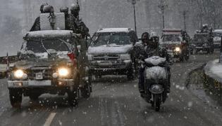 Snow in Jammu Kashmir Photo Gallery - Sakshi
