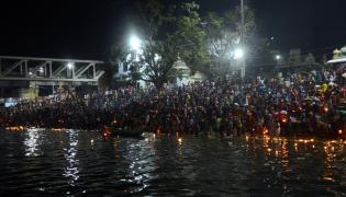 Karthika Masam Celebrations in Rajahmundry GODAVARI - Sakshi