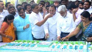 Ys Jagan Mohan Reddy Birthday Celebration In YSRCP Party Office - Sakshi