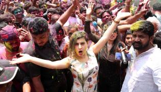 Holi Celebration in Hyderabad Photo Gallery - Sakshi