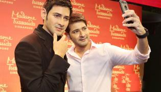 Mahesh unveils his MadameTussauds Photo Gallery - Sakshi