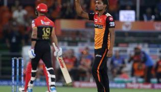 sunrisers beat Royal Challengers Bangalore 118 runs Photo Gallery - Sakshi