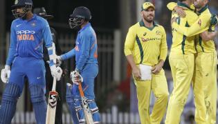 india lost 32 runs against australia Photo Gallery - Sakshi