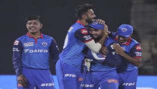 Delhi Capitals  win by 16 runs, qualify for playoffs Photo Gallery - Sakshi