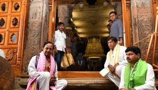 KCR Visit in Tamil Nadu Srirangam temple Photo Gallery - Sakshi