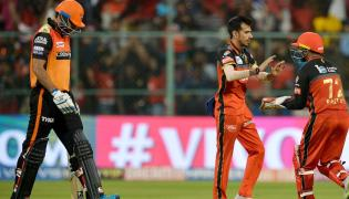 Royal Challengers beat sunrisers Photo Gallery - Sakshi
