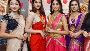 Actress Varshini in Manapally jewellery Photo Gallery - Sakshi