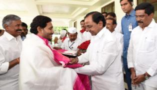 Two State Chief Ministers Jagan and KCR to Meet on Bifurcation Elements Photo Gallery - Sakshi