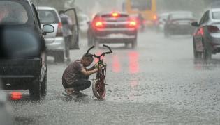 Heavy Rain In Delhi Photo Gallery - Sakshi
