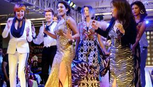 Nidhi Agarwal Glitters in A Fashion Show at Vijayawada Photo Gallery - Sakshi