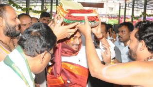 CM Ys Jagan Gisits Gandi Anjaneya Swamy Temple at Kadapa - Sakshi