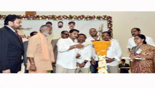 CM YS Jagan Mohan Reddy Starts Village Volunteer System Photo Gallery - Sakshi