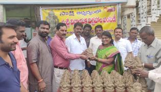 Ganesha Statues Distribution In Sakshi Photo Gallery - Sakshi