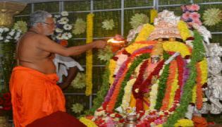 Vijayawada Indrakeeladri draws huge crowds on second day PHoto Gallery - Sakshi