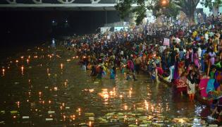 Karthika Masam Celebrations at Pushkar Ghat Rajahmundry Photo Gallery - Sakshi