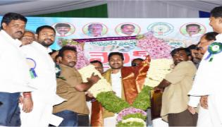 CM YS Jagan Mohan Reddy to launch YSR Vahana Mitra at Eluru Photo Gallery - Sakshi