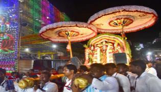 Dasara Sharan Navaratri Celebrations In Durga Temple Photo Gallery - Sakshi