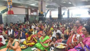Huge Devotees Crowd In Kanaka Durga Temple At Vijayawada Photo Gallery - Sakshi