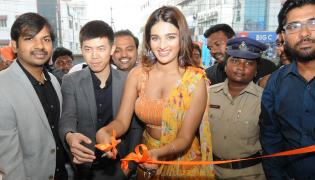 Happi Mobiles Launching in Ongole By Nidhhi Agerwal Photo Gallery - Sakshi