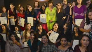 Mandira Bedi at Tamanna Makeup Academy Graduation Ceremony 2019 Photo Gallery - Sakshi