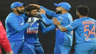 India wins another super over thriller takes 4-0 lead Photo Gallery - Sakshi
