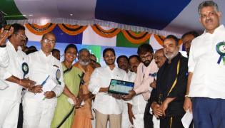 Cm Ys Jagan Launch Jagananna Amma Vodi Scheme Chittoor Photo Gallery - Sakshi