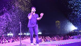 Singer Sid Sriram Performs LIVE at Gachibowli Stadium Photo Gallery - Sakshi