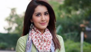 Actress Raashi Khanna Photo Gallery - Sakshi