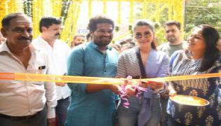 Samantha Launches Healthy Way Restaurant At Madhapur Photo Gallery - Sakshi