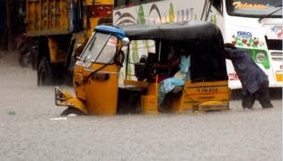 Heavy Rainfall Hits Several Places In Hyderabad Photo Gallery - Sakshi