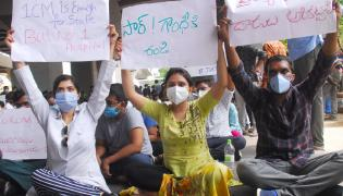 Gandhi Hospital junior doctors launch strike Photo Gallery - Sakshi
