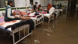Heavy rains lash Hyderabad Osmania General Hospital Photo Gallery - Sakshi