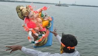 Ganesh nimajjanam,Tank Bund,photo gallery - Sakshi