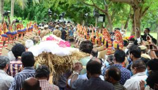 SP Balasubrahmanyam funeral Photo Gallery - Sakshi