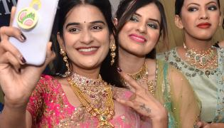 Diamond jewwllery Expo photo gallery - Sakshi