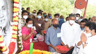Doctor EC Gangi Reddy Condolence Meet At Pulivendula Photos - Sakshi